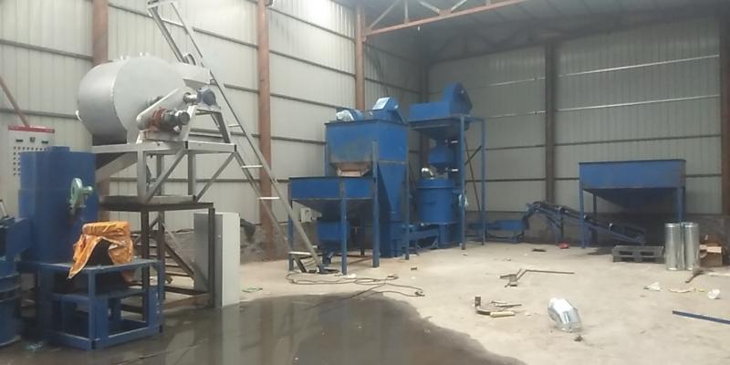 辽宁本溪覆膜砂再生砂成套设备与覆膜砂成套设备组合生产线安装结束